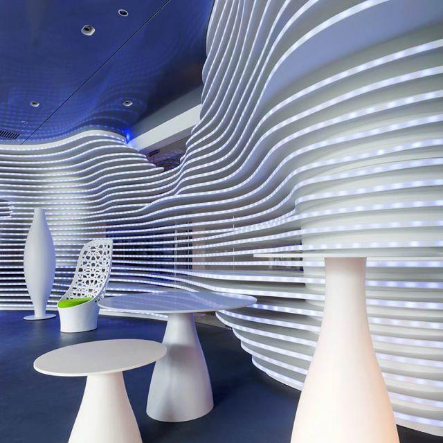Claudio Colucci design 005